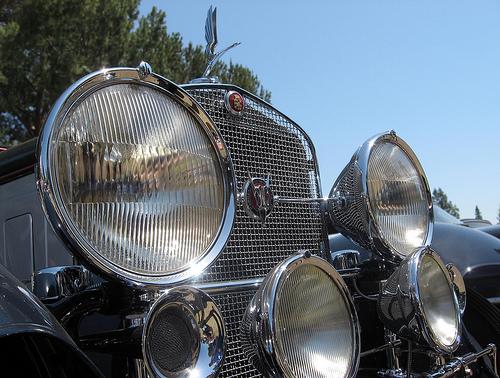 1931 Cadillac V-16 Special Phaeton lights