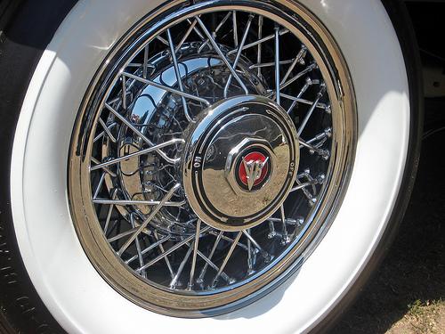 1931 Cadillac V16 Sport Phaeton wire wheel