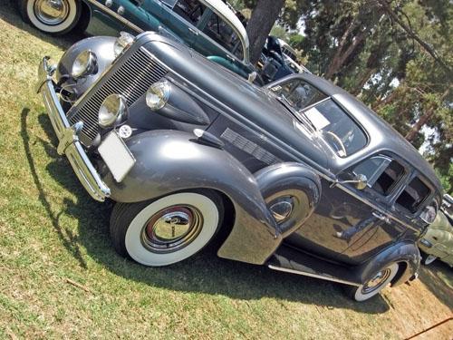 1937 Buick Century front 3q