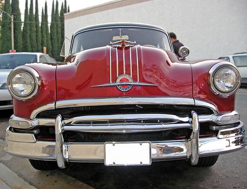 1954 Pontiac front view
