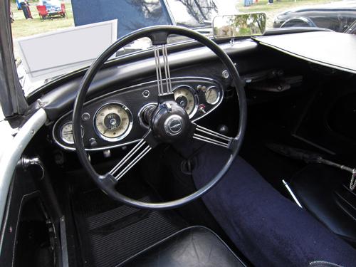 1957 Austin-Healey 100-6 (BN4) dashboard