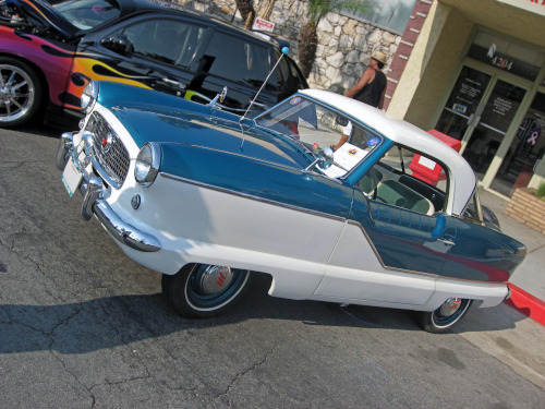 1957 Nash Metropolitan front 3q