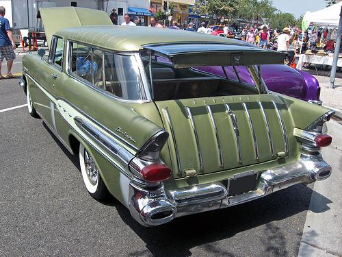 1957 Pontiac Safari wagon rear 3q © 2009 Aaron Severson