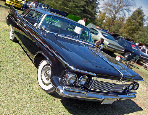 1961 Imperial LeBaron Southampton front3q