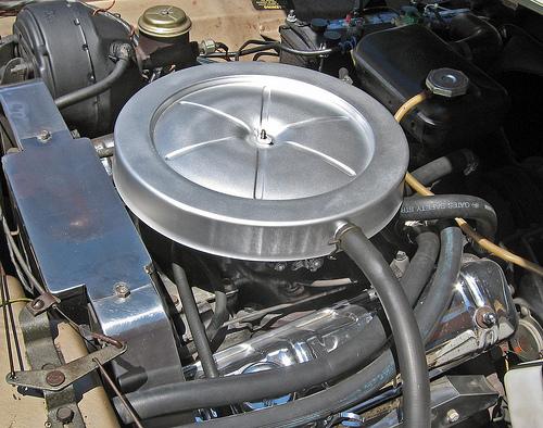 1963 Studebaker Avanti engine