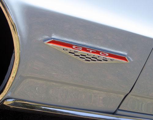1964 Pontiac GTO fenderbadge
