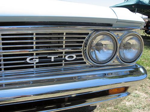 1964 Pontiac GTO headlights
