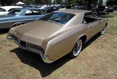 1966 Buick Riviera rear 3q © Aaron Severson