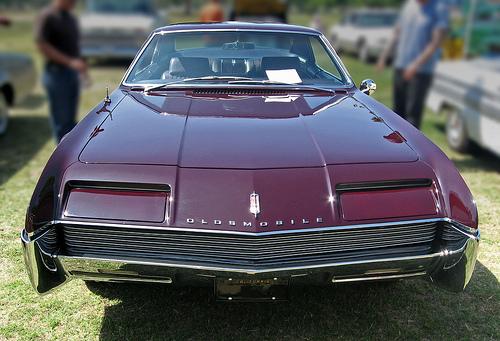 1966 Oldsmobile Toronado front