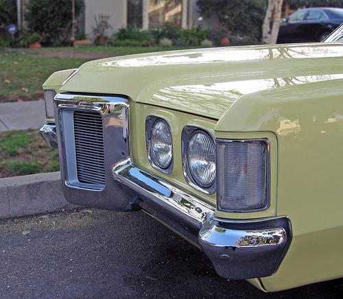 1969 Pontiac Grand Prix snout