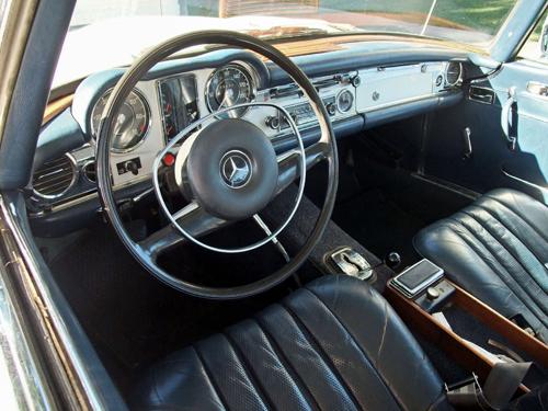 1970 Mercedes 280SL (W113) interior