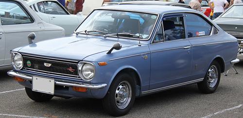 1970 Toyota Corolla Sprinter SL (KE17) front 3q © 2013 TTTNIS (PD CC0 1.0)
