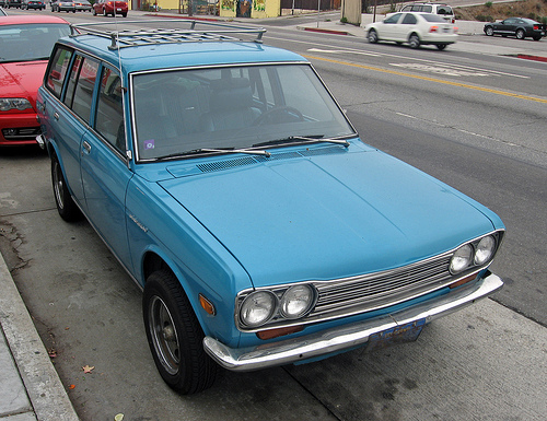 1971 Datsun 510 wagon front3q