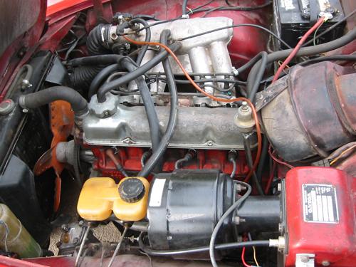 1971 Volvo 1800E B20E engine 2004 Matthew Shultz (used with permission)