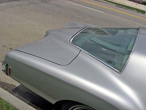 1972 Buick boattail Riviera backlight