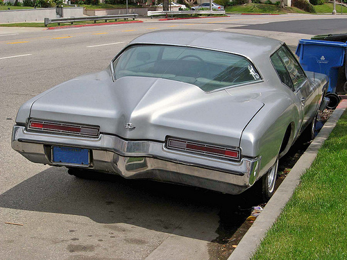 1972 Buick Riviera tail