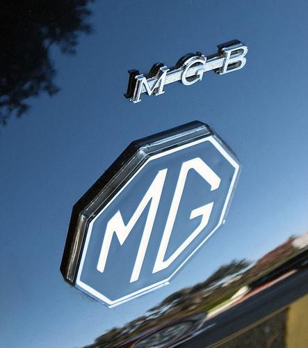 1973 MG MGB roadster badge
