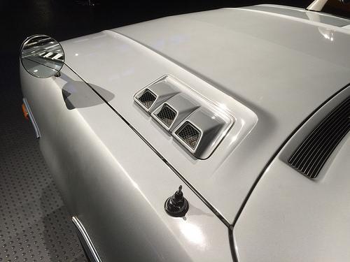 1973 Toyota Celica 2000GT Liftback (RA25) hood vents © 2014 Iwao (CC BY-SA 2.0 Generic)
