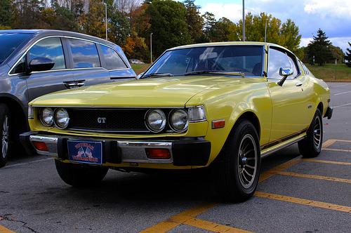 1976 or 1977 Toyota Celica GT Liftback (RA29) front 3q © 2014 Josh Garrett (with permission)