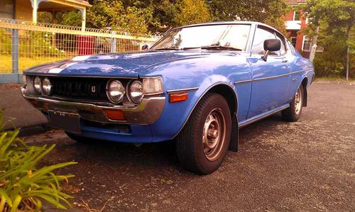 1977 Toyota Celica 2000LT Liftback (RA28) front 3q © 2014 Don Andreina (with permission)