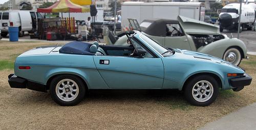 1981 Triumph TR8 convertible blue side