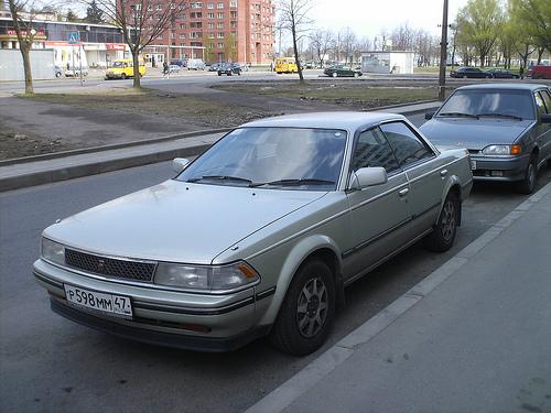 1986 Toyota Carina ED 1800EFI X (ST160) hardtop front 3q © 2009 Igor Smagin (with permission)