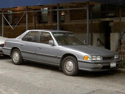 1990 Acura Legend (KA6) sedan front 3q © 2007 Kentaro Matsui (PD)