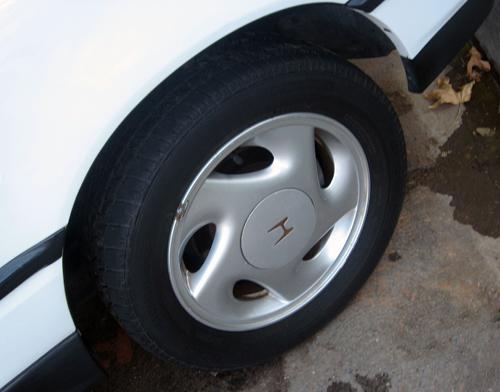1991 Honda CRX Si alloy wheel © 2010 Aaron Severson