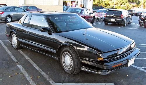 1990 Oldsmobile Toronado front 3q