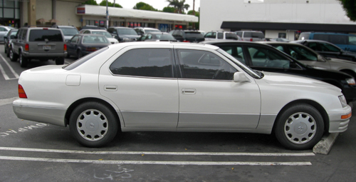 1996 Lexus LS400 side
